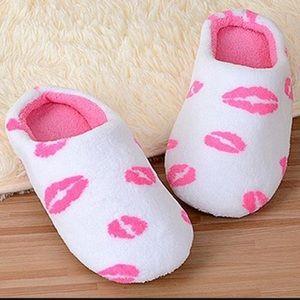 New women slipper size 7/8
